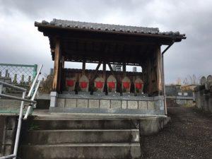 奈良三郷町墓地で文字彫刻