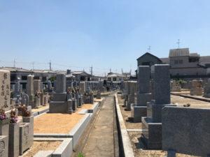 羽曳野市島泉墓地で追加彫刻