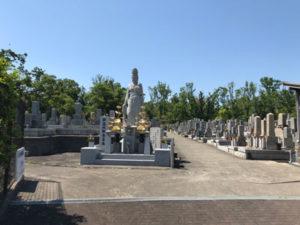 茨木市郡共同墓地でお墓の文字彫り