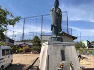 高槻市 経王寺さんで文字彫り
