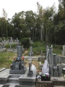 大阪府島本町の桜井墓地で文字彫り
