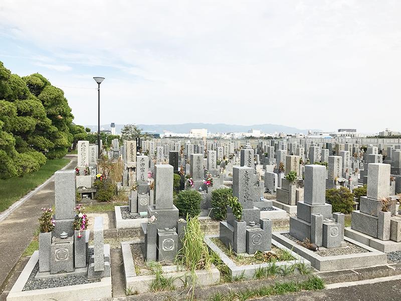 【伊丹市の伊丹市営神津墓地】お墓への文字・戒名彫刻費用について
