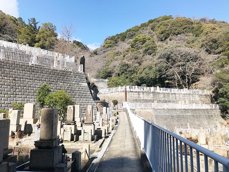 【神戸市の神戸市立追谷墓園】お墓への文字・戒名彫刻費用について