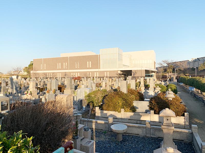 【尼崎市の弥生ヶ丘墓園】お墓への文字・戒名彫刻費用について