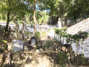 大東市の野崎観音さんで墓石への名前彫り